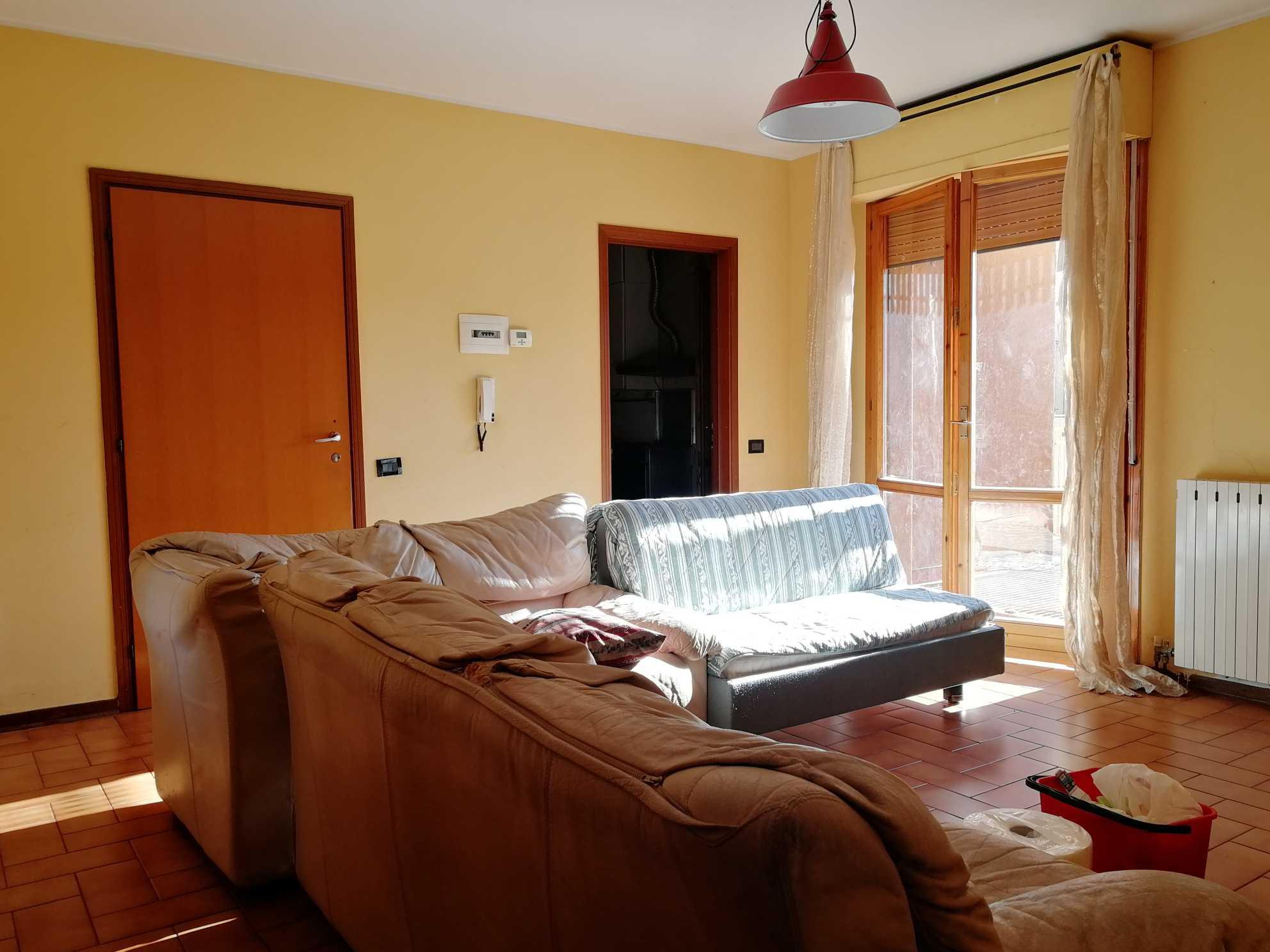 Appartamento al primo piano con due terrazzi abitabili e garage